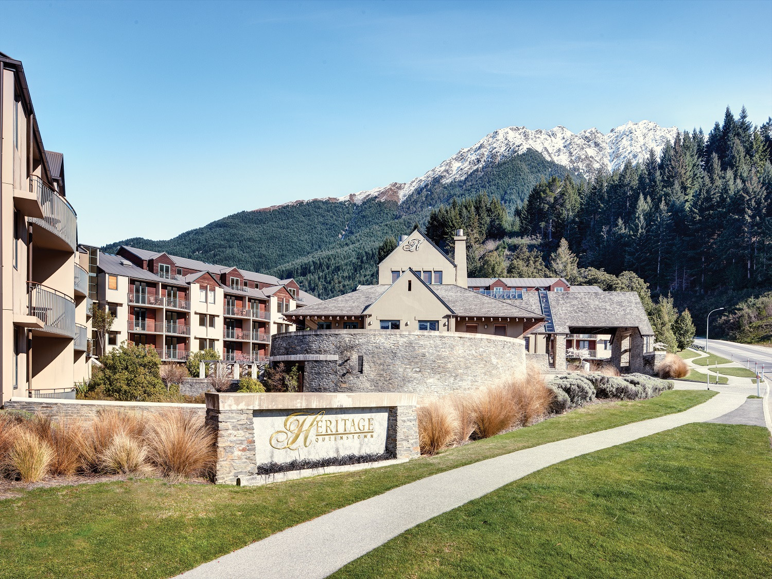 Queenstown Short Stay with Breakfast