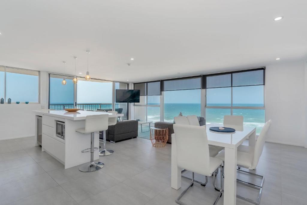 Two Bedroom Oceanfront SE Deluxe