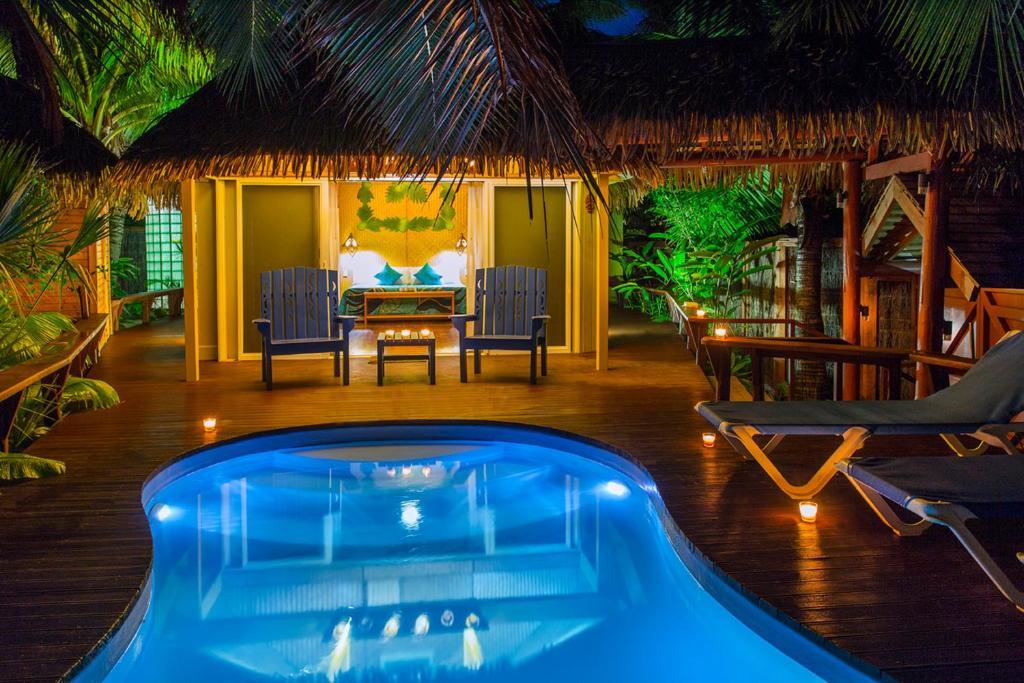 Honeymoon Private Pool & Spa Bungalow