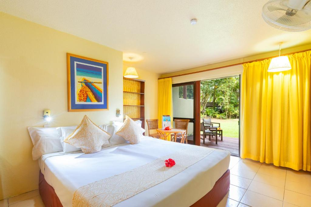 Two Bedroom Beachside Interconnecting Family Suite