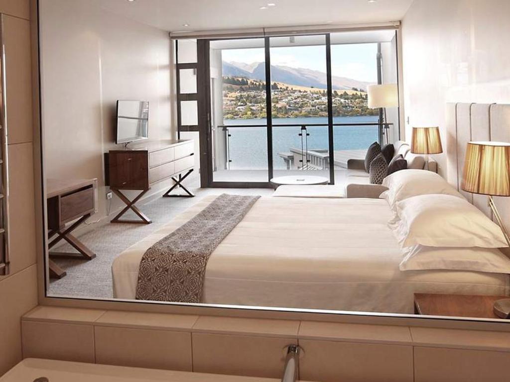 Executive Lake View Hotel Room - SALE