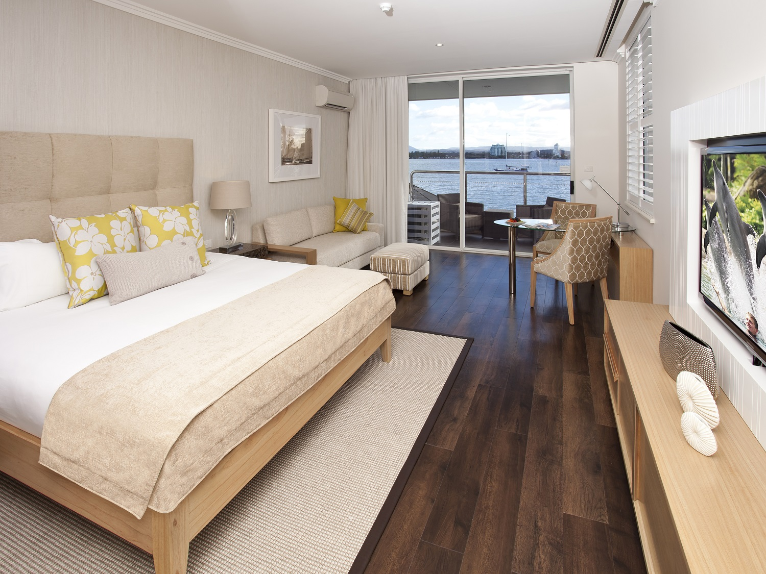 Broadwater Executive View Room