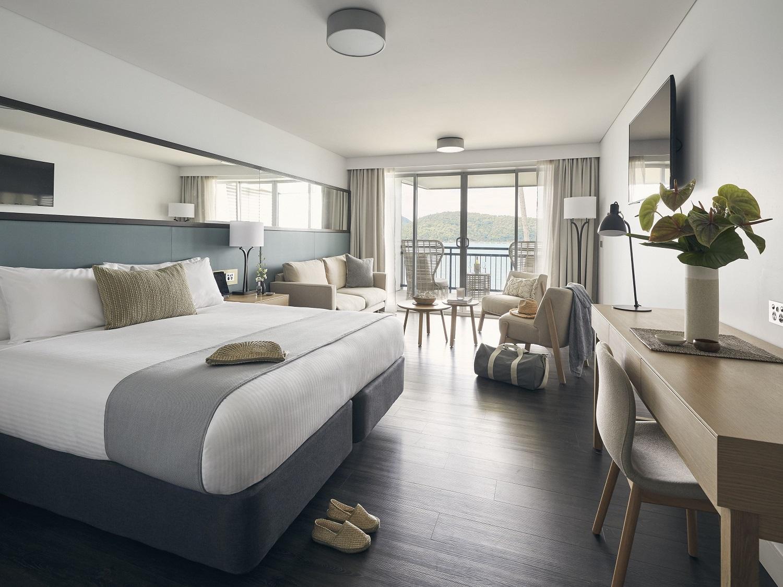 Deluxe Ocean Terrace King Room  - 3 Nights+